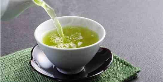 Est-ce bon de boire du thé le soir ?