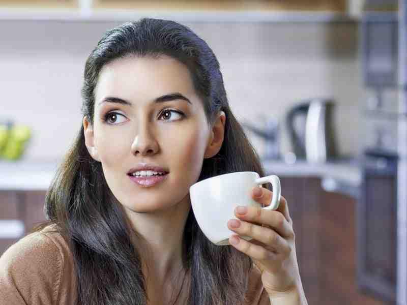 Est-il dangereux de boire trop de thé ?